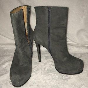Pour La Victoire Stiletto Bootie, Grey, Size 8